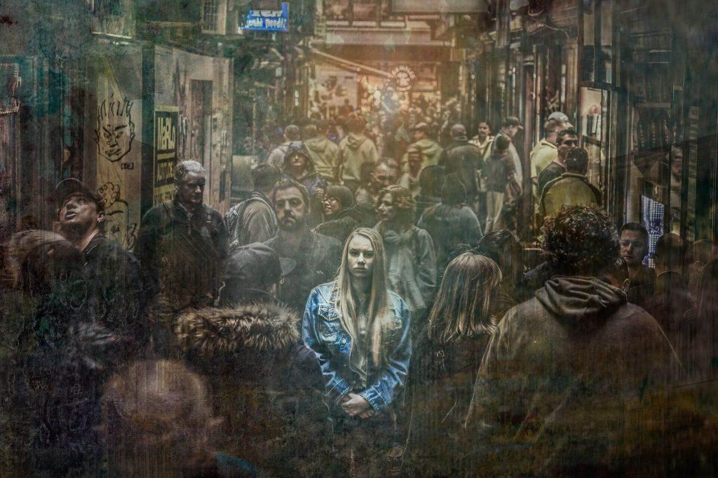 חמישה מיתוסים נפוצים אודות חרדה חברתית