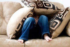 איך מתגברים על פחדים חברתיים? – ארבע שיטות טיפול עצמי בחרדה חברתית
