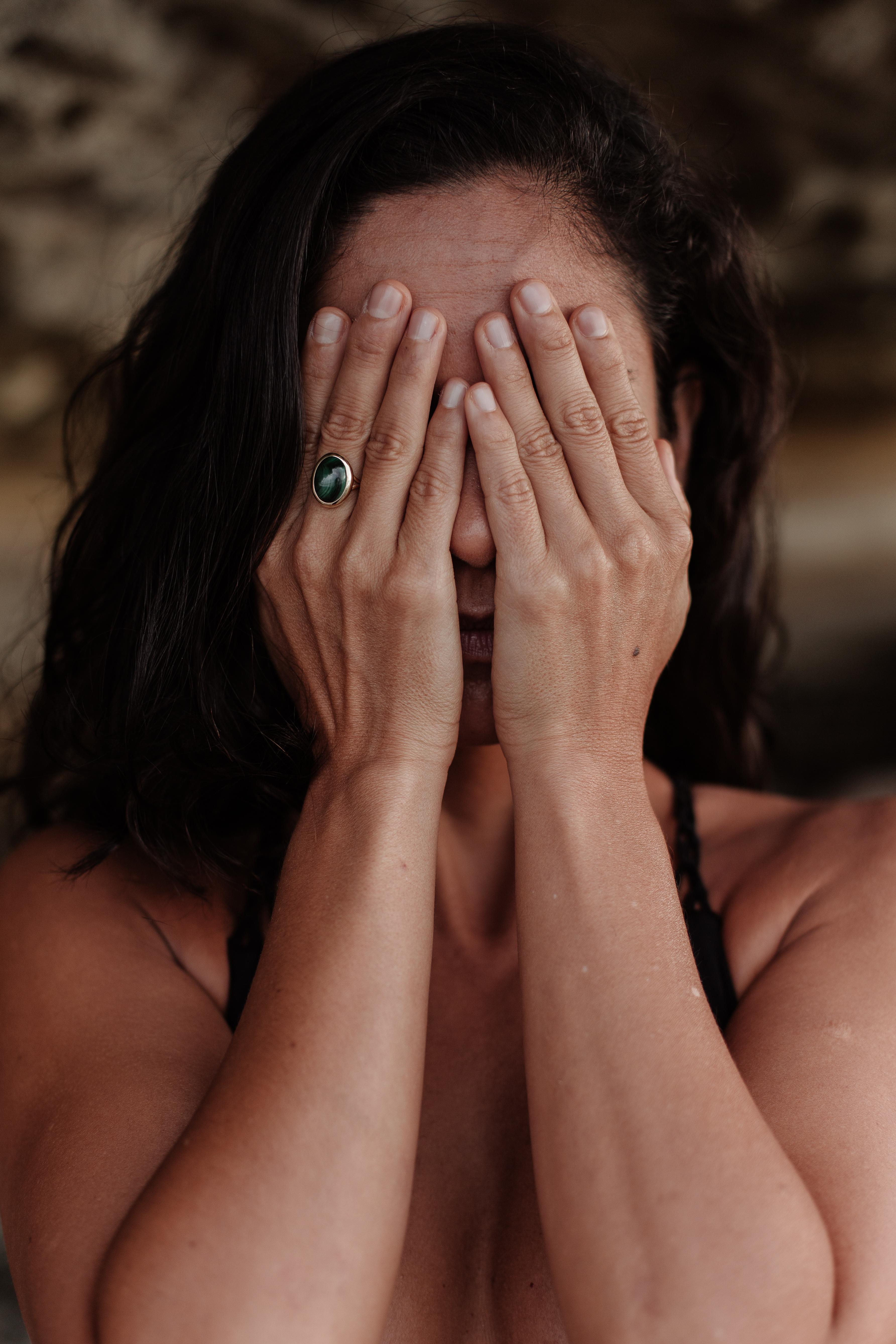 למה לאנשים יש מחשבות שליליות ואיך להתמודד איתן?