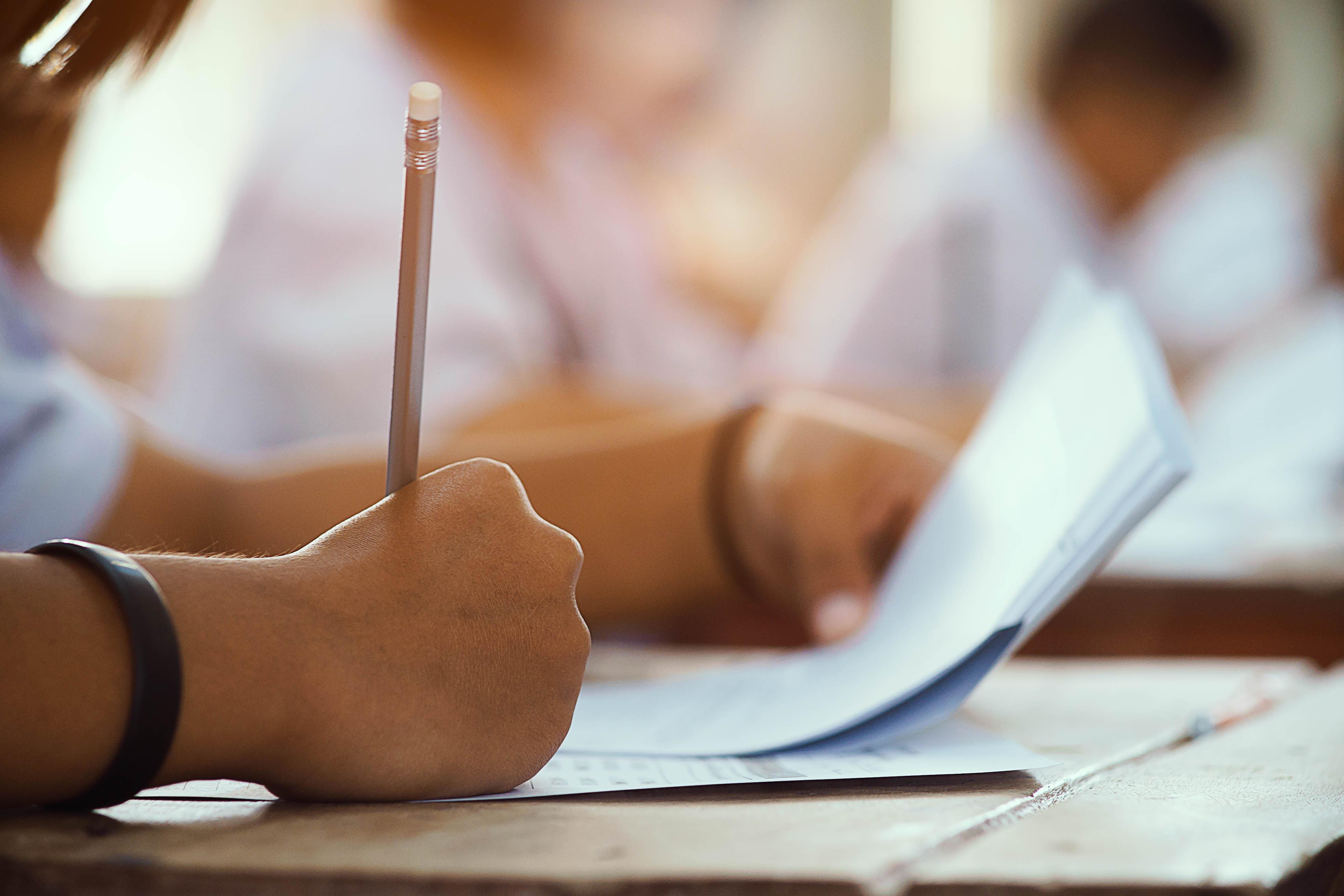 איך להירגע לפני מבחן?